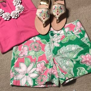 Lilly Pulitzer shorts in Hit the Spot, Sz 2